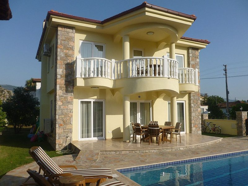 Beautiful Villa with Private Pool/ Garden. View of Rock Tombs & Kaunos Acropolis, holiday rental in Dalyan