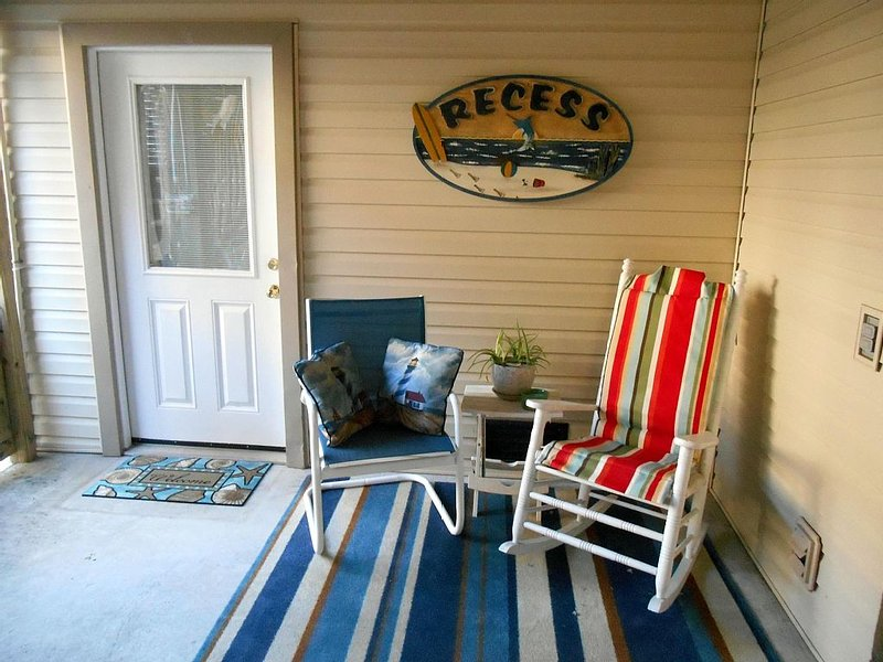 Bright And Cozy Two Room Unit,  Close To Beach And Sound -- Perfect  For Two!, holiday rental in Kill Devil Hills