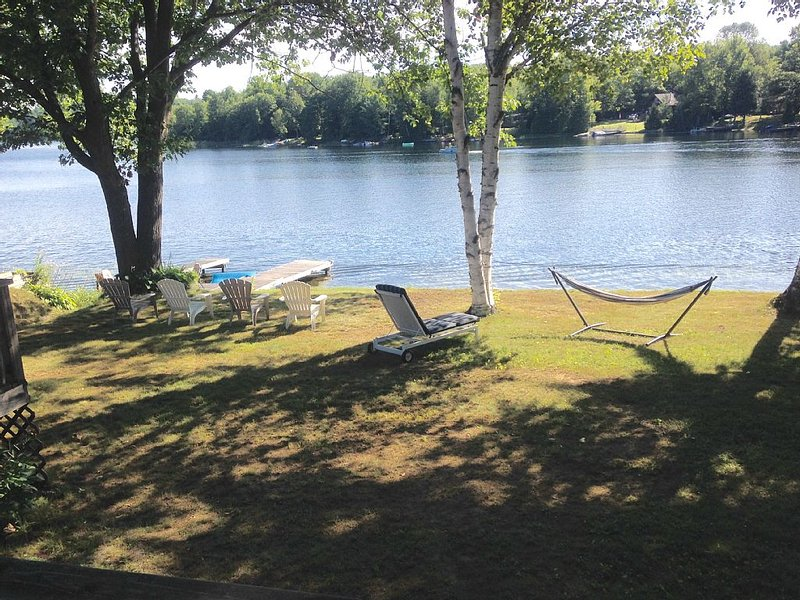 Family Friendly Cottage On Moore Lake!!, holiday rental in Kawartha Lakes
