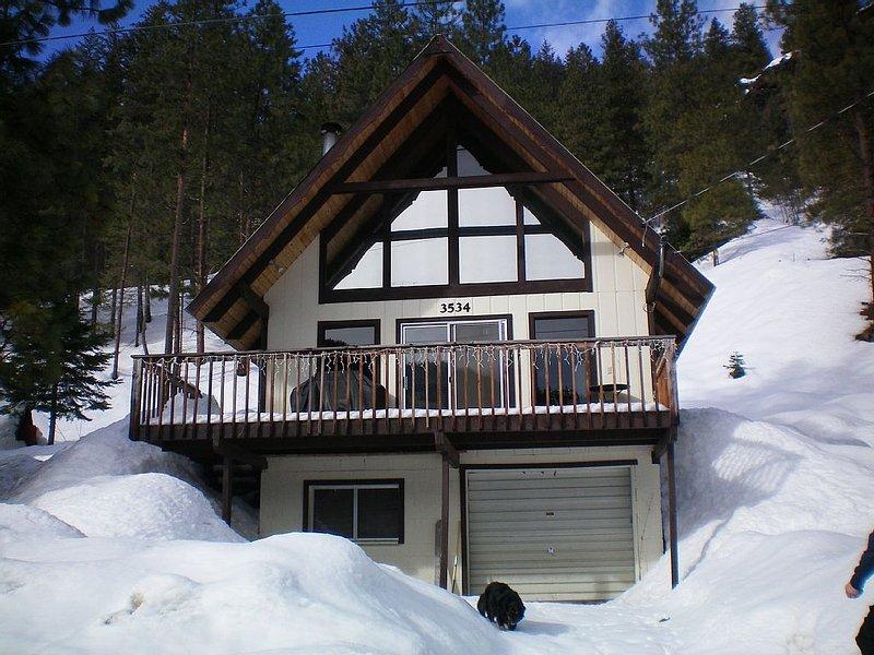 Hansel Getaway-Chalet nestled in a valley outside of Leavenworth, location de vacances à Peshastin