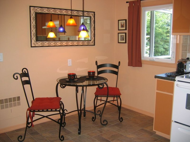 Fully Furnished Apartment With Clean, Contemporary Design Located on 100 Acres, location de vacances à Wellsboro