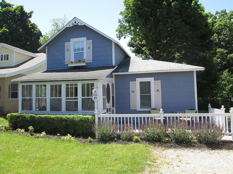 Best Value of Lakeside w \ FREE golf cart!, holiday rental in Marblehead