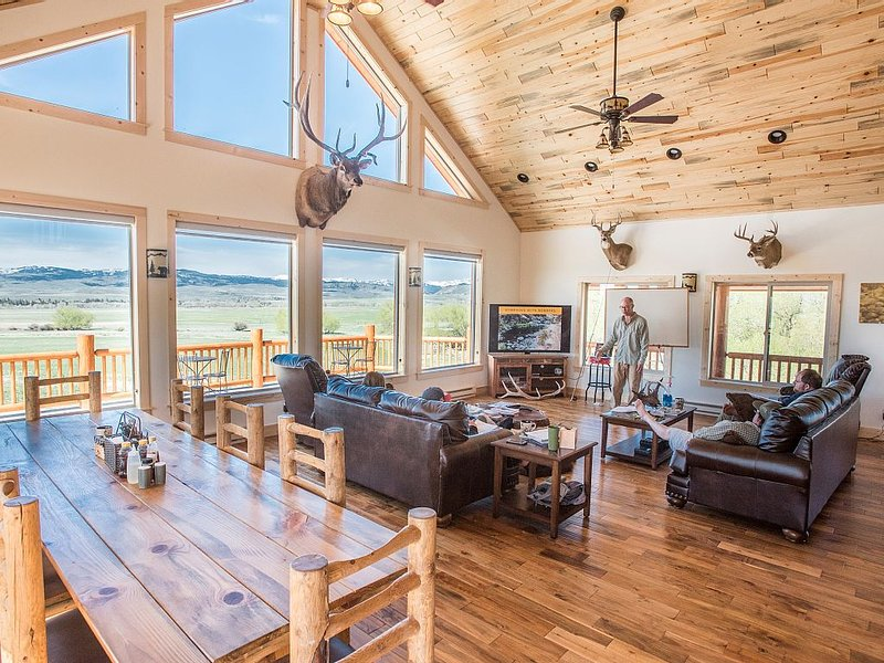 Spring Creek Lodge near Yellowstone National Park, location de vacances à Livingston