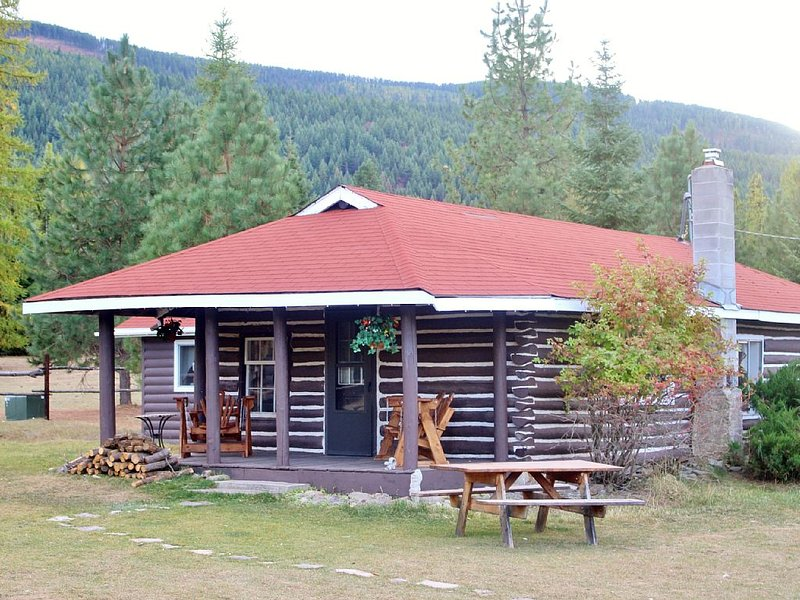 'The Old Homestead'  An Original Homestead Cabin, vacation rental in Thompson Falls