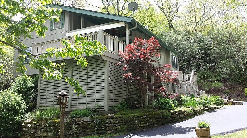 Mountain Getaway near Brevard and Cashiers, 4BR 3 Bath, Ferienwohnung in Lake Toxaway
