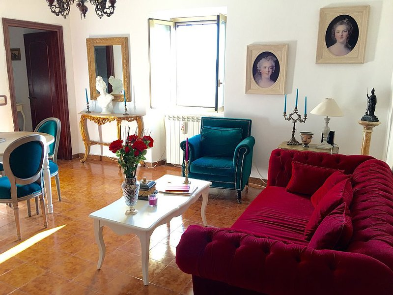 Your medieval house in a charming village, holiday rental in Ceccano