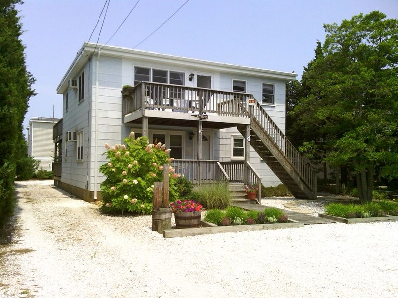 Very nice beach house.  Very wide beach for physical distancing., holiday rental in Barnegat Light