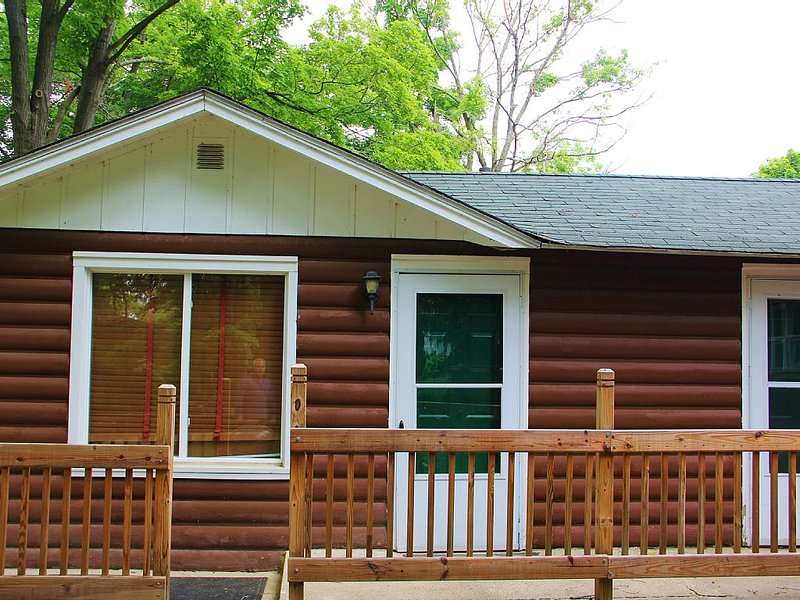 Cozy Cabin in Williams Bay, vacation rental in Williams Bay