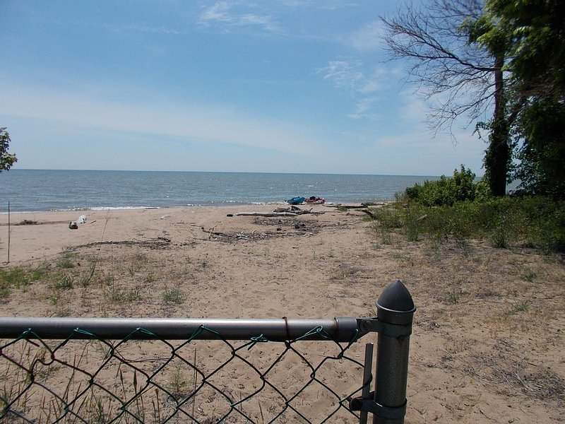Beach House, Kingsville Ontario, holiday rental in Leamington