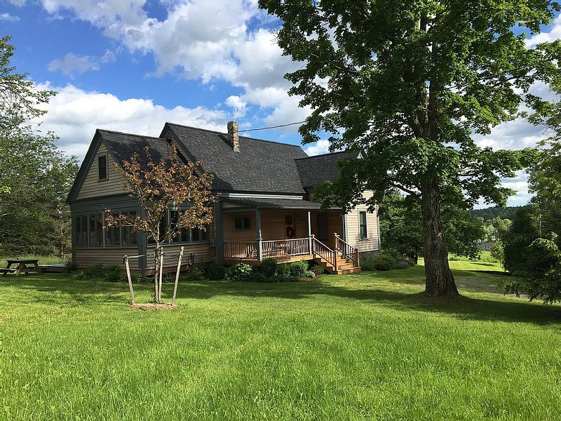 Beautiful Country Home close to the village and public beach, vacation rental in Craftsbury