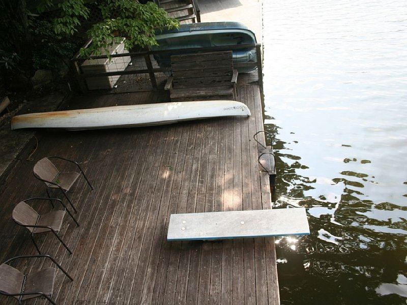 The Boathouse is located in a secluded cove on Lake Lanier ., vacation rental in Lynn