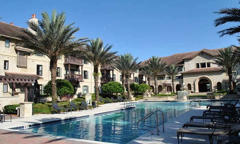 GOLF AVAILABLE!! LUXURY CONDO IN WORLD GOLF VILLAGE, 2 BDRM, 2 BATH,, holiday rental in Green Cove Springs