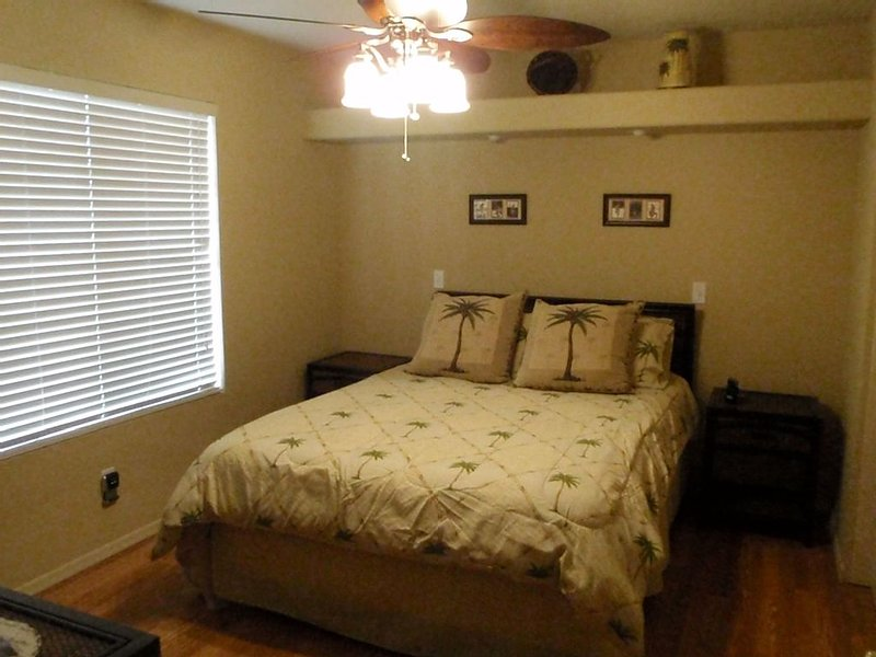 Cozy one bed room guest house all set for snowbirds, vacation rental in Cave Creek