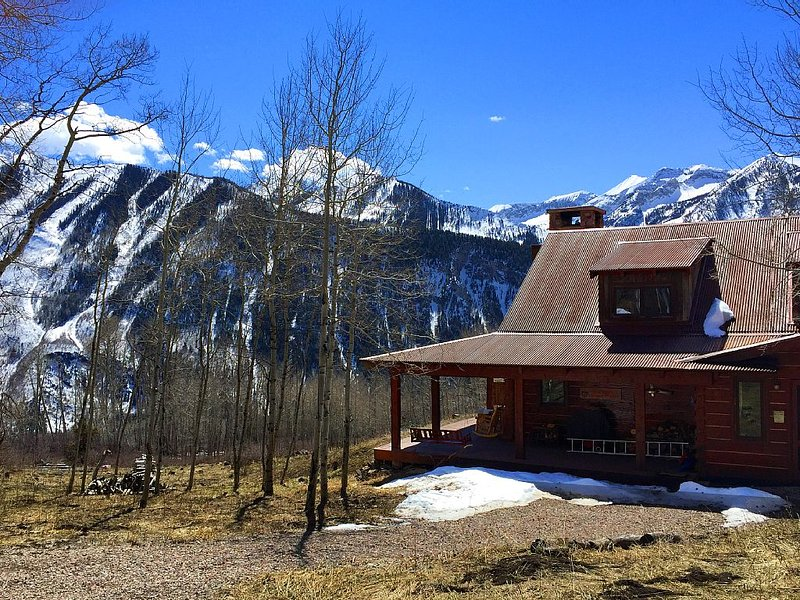 Colorado Rockies Mountain Luxury Family Compound in Marble CO near Aspen, vacation rental in Redstone