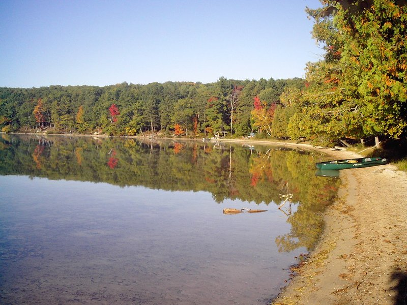 NorthShore - on Guthrie Lake, holiday rental in Crawford County
