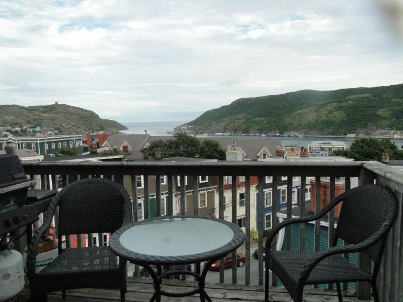 Downtown Executive Best View, Fireplaces, Location, alquiler vacacional en Petty Harbour
