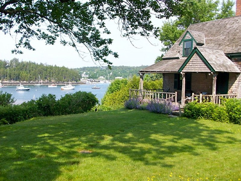 Shell Heap North, A Charming Northeast Harbor Cottage, holiday rental in Acadia National Park