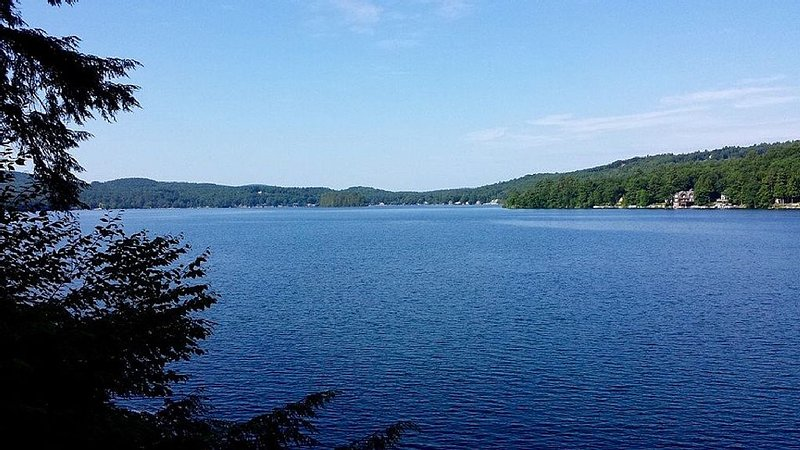 Lake house getaway on pristine Spofford Lake, New Hampshire, holiday rental in Chesterfield