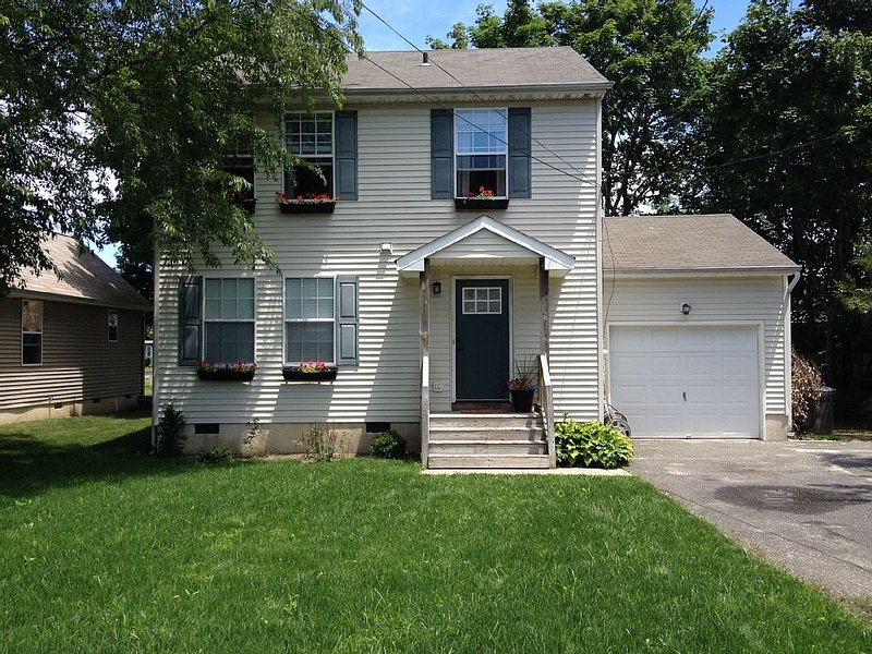 An inexpensive vacation rental in a clean, comfortable home, location de vacances à Cape May Court House