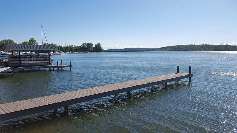 Lake Cottage On The Bay In Fair Haven w/Boat Dock – semesterbostad i Sodus Point