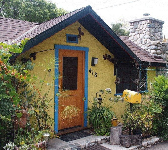 L.A. &  Pasadena just  minutes away!, holiday rental in Covina