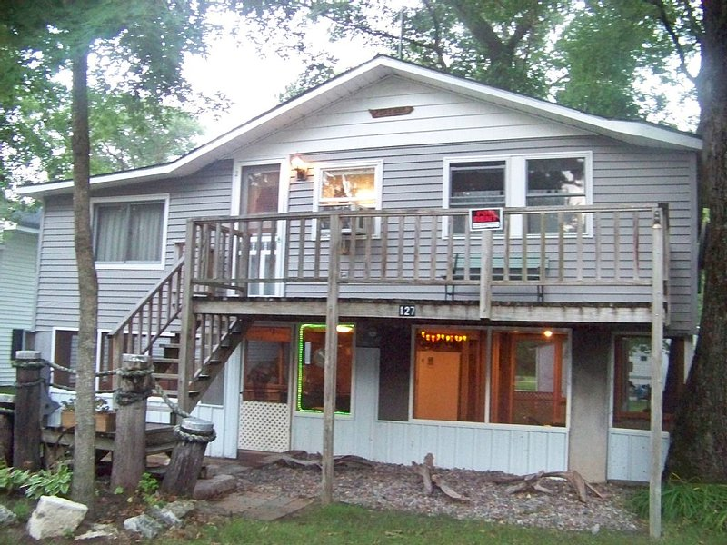 Idle Hour Cabin In River Of Lakes Resort, Bagley, Wi Sleeps 6, alquiler de vacaciones en Prairie du Chien
