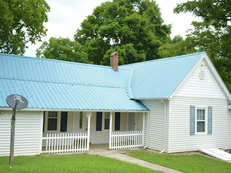 HILDEGARD'S COTTAGE., Tellico Plains, TN 37385, casa vacanza a Englewood