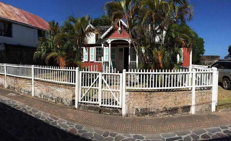 Adorable historical home, holiday rental in St. Eustatius