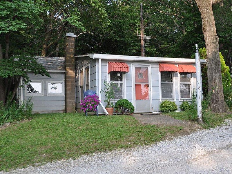 Cozy Cabin Located 10 Mi. S Of Nauvoo.  Located Just Off The Mississippi River!, alquiler de vacaciones en Nauvoo