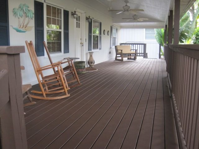 Island style home in quiet, residential neighborhood., vacation rental in Jensen Beach