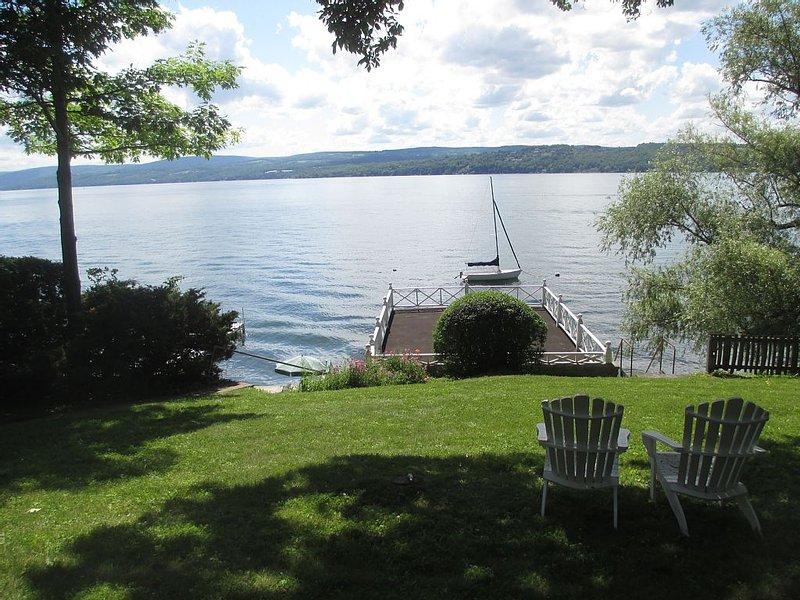 Amazing Lakefront Cottage, Perfect Summer Getaway, location de vacances à Canandaigua