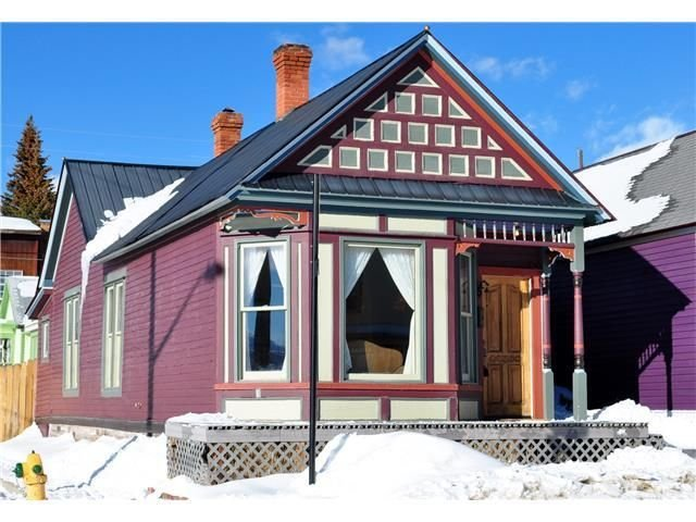 Beautiful, Warm, Sunny 1880s Miner's Cabin. Great Remodel -- Spa Bath, Wifi!, holiday rental in Leadville
