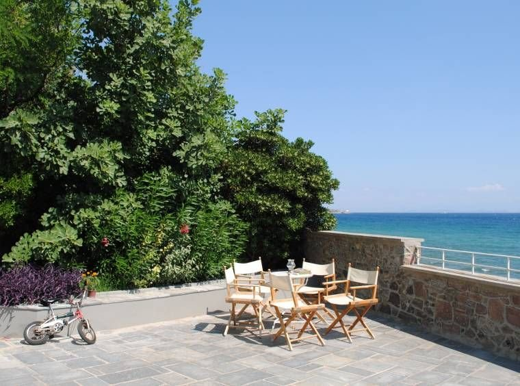 Beautifully Renovated House with Stunning Terrace and Sea Views – semesterbostad i Cunda Island