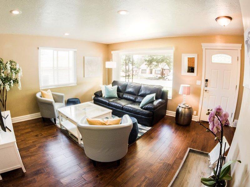 Charming, Clean, Spacious 3BD/2BA East Bench Close to Everything!!, location de vacances à Riverdale