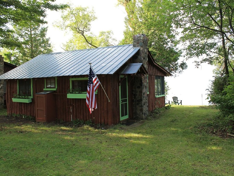 Family Friendly Cabin, holiday rental in Port Austin