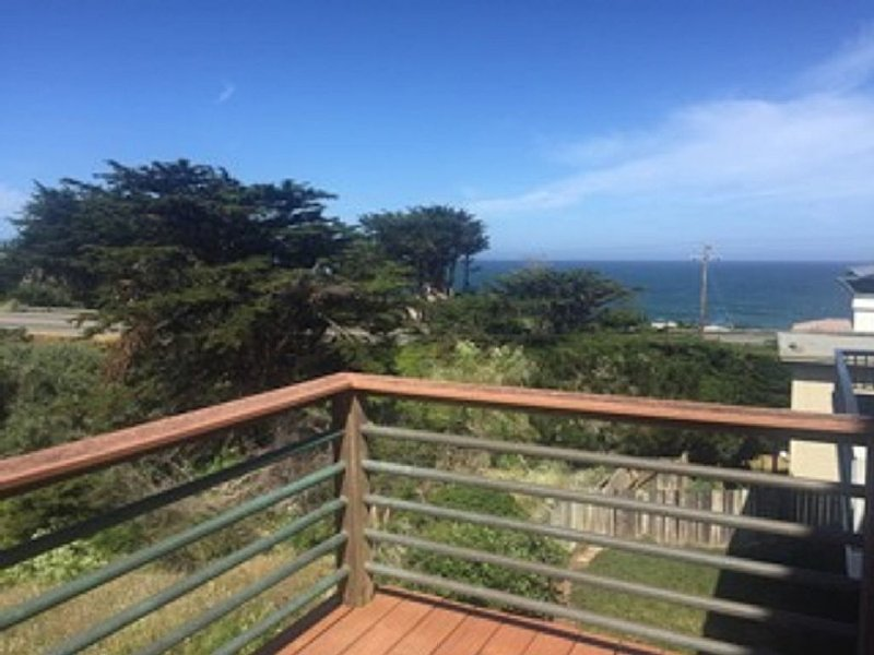 Relax And Enjoy The California Coast From This Lovely Private Suite, holiday rental in Moss Beach