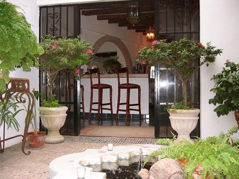 Beautiful Private Home in Puerto Vallarta. Newly Renovated Chefs Kitchen., vacation rental in Puerto Vallarta