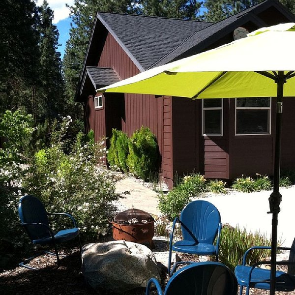 Mountain Paradise in Plumas Pines, Family-Friendly, Near to Dine, Hike and Golf, alquiler de vacaciones en Blairsden