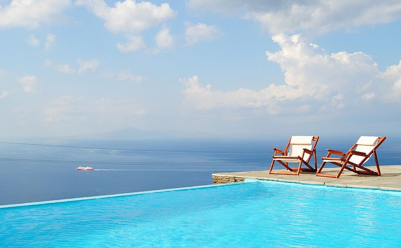 Villa With Breathtaking Sea View, holiday rental in Apikia