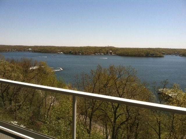 The view will keep you on the balcony of this 2 bedroom luxury condominium.WIFI!, vacation rental in Lake Ozark