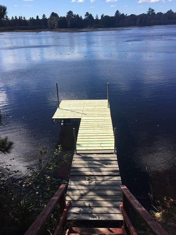 Il dock (è possibile ancorare la vostra barca lì)