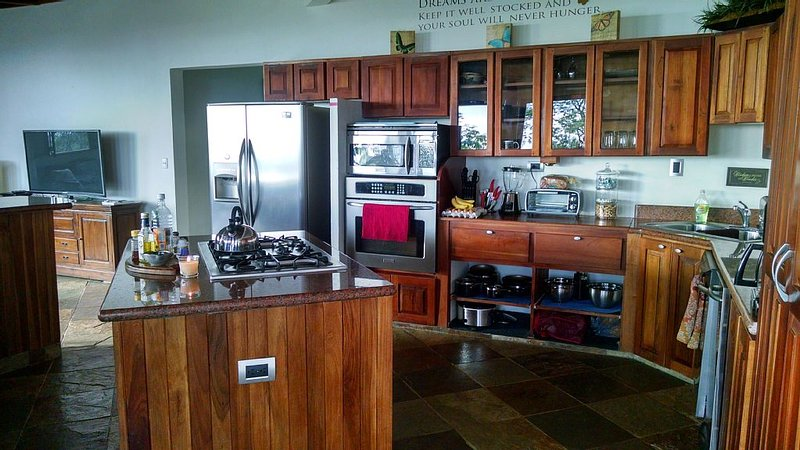 Great for couples, groups and families!, holiday rental in San Carlos