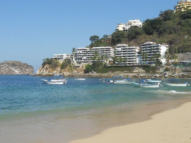 Beautiful ocean/beach front condominium, holiday rental in Cabo Corrientes