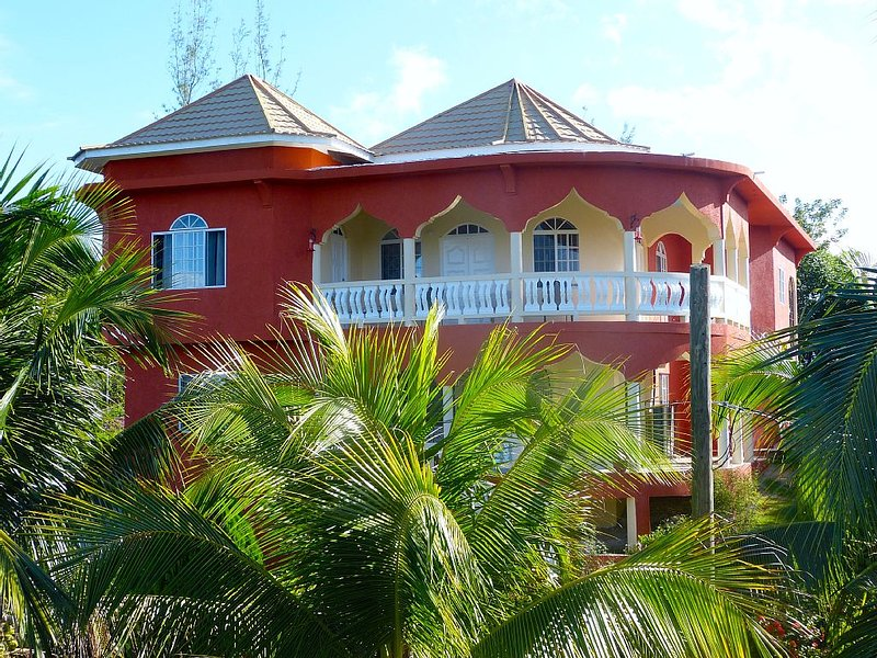 Two bedroom villa in Sheffield - near Negril, vacation rental in Negril