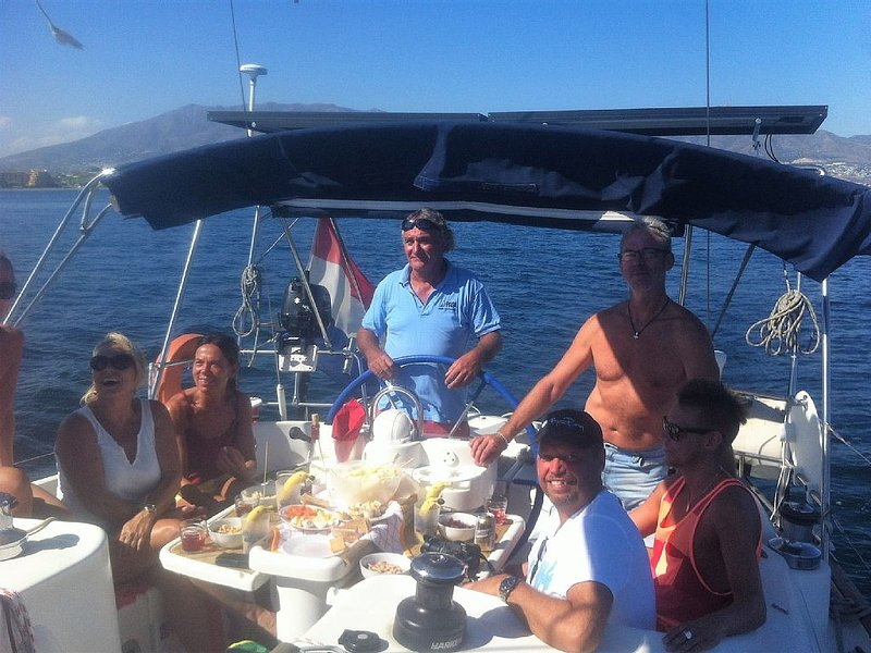 Island hopping on 41 Ft sailing yacht, holiday rental in Bellevue