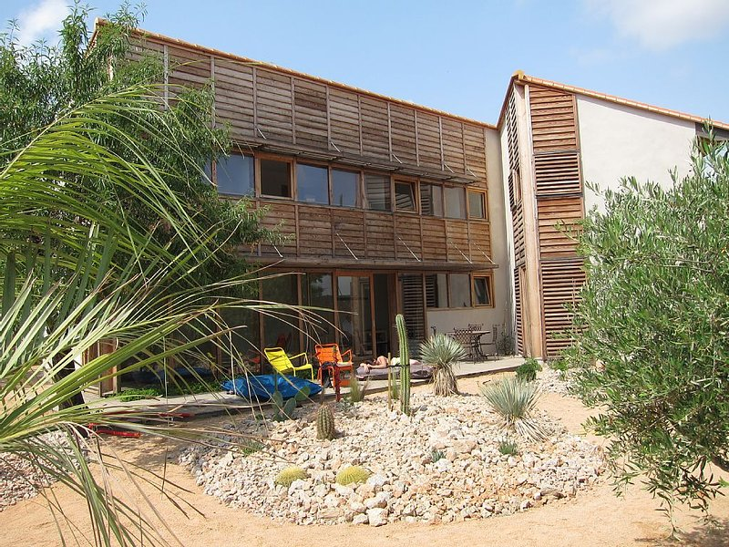 Mediterranean Paradise in a Modern Home, holiday rental in Opoul-Perillos