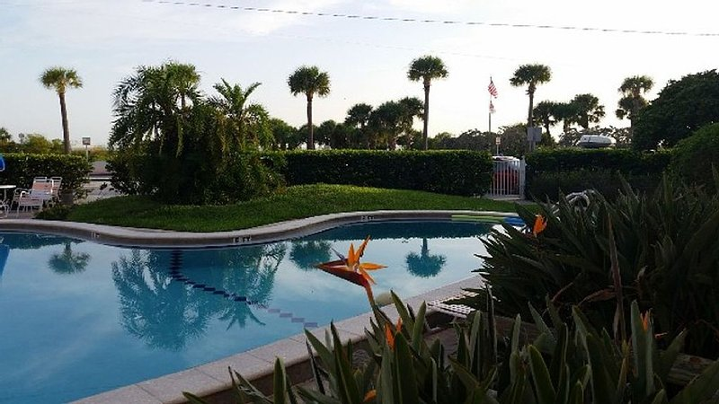 Remodeled Studio Steps From St. Pete Beach (Upham, holiday rental in St. Pete Beach