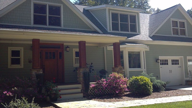 Arts And Crafts  Home Close To Clemson, Golfing, Hiking, Boating And Rafting, holiday rental in West Union