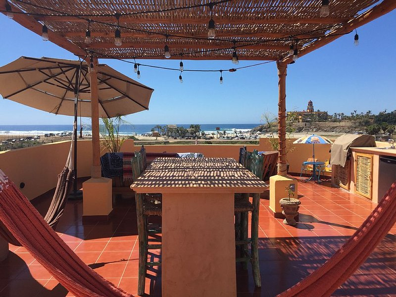 One of a kind unit! The only front row top story x-large unit! With bunk room!, vacation rental in El Pescadero