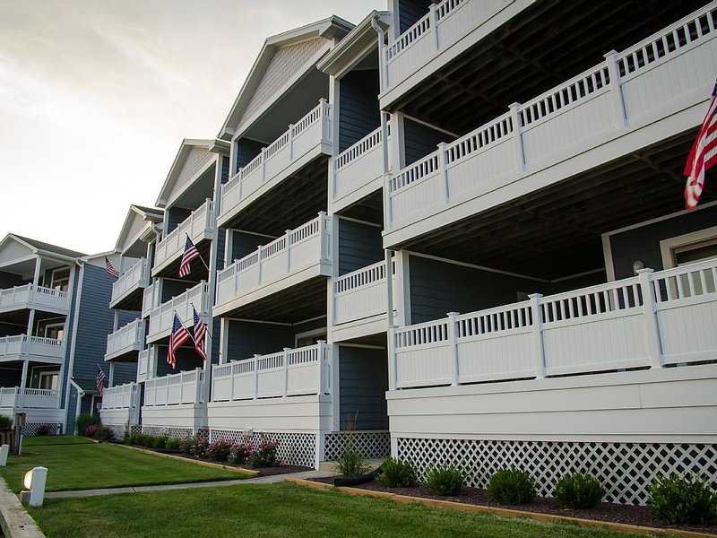 Relaxing Bay Front Condo-1st floor unit, holiday rental in Ocean City
